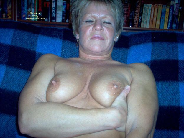 Pic #3 - Angelique Naked On The Couch