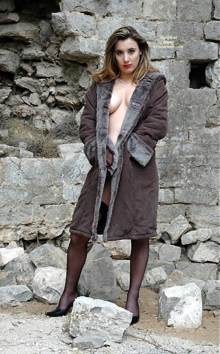 Pic #1 - Heather Xibit , I'm Just A French Model Who Wants Some Comments About My Pics... Even The Dirts...