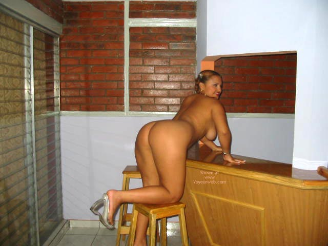 Pic #6 - Beautiful Ass In The Bar